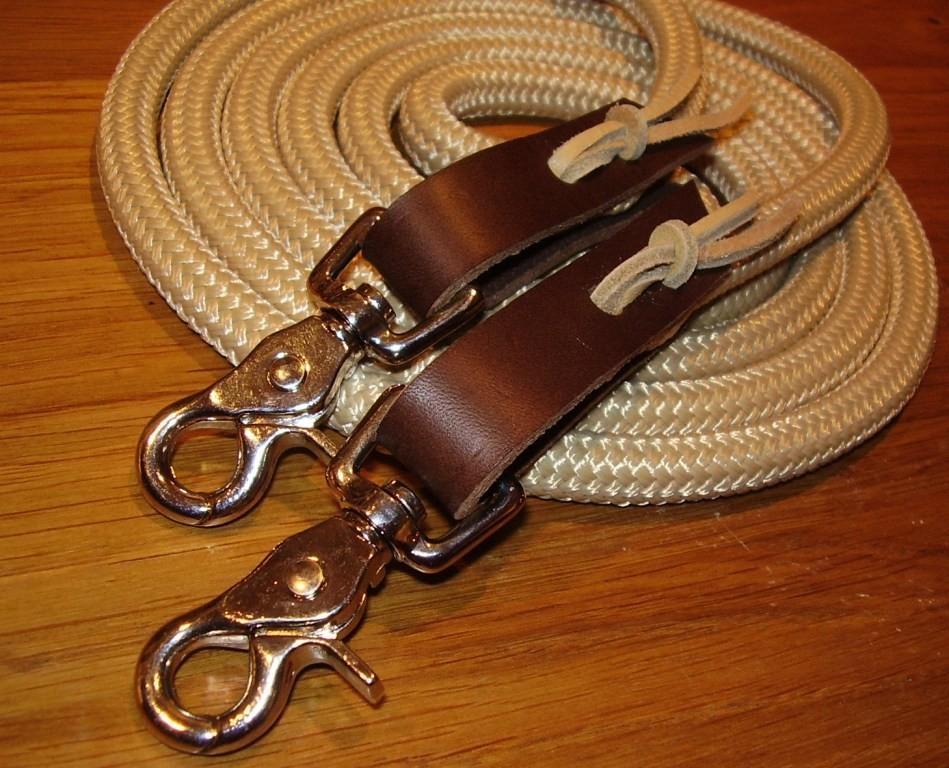 Rênes en corde fermées